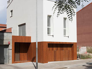 CABRÉ I DÍAZ ARQUITECTES Single family home White
