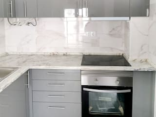 Decor-in, Lda Small kitchens Engineered Wood Grey