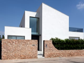 MANUEL GARCÍA ASOCIADOS Single family home White