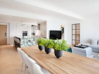 The Li's - Jardines Lookout Modern dining room by HOUSE OF BUTLER Modern
