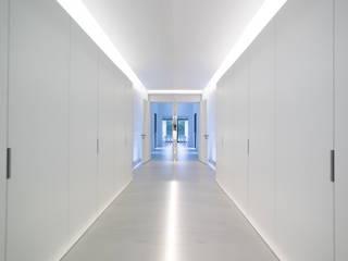 HA House 春 現代風玄關、走廊與階梯 根據 德築建設有限公司 現代風