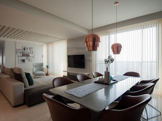 Salones modernos de 雅群空間設計 Moderno