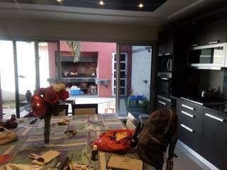 Mi casa & mi taller ! Comedores minimalistas de Claudio Visconti Minimalista