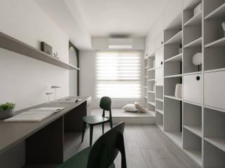 Skandinavische Arbeitszimmer von 寓子設計 Skandinavisch