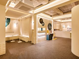 원더러스트 Commercial Spaces