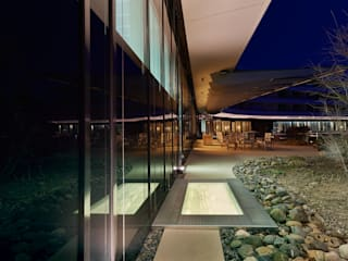 Daylightshafts Moderne Hotels von HELIOBUS AG Modern