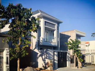 Nhà phố Bình Chánh Acilb design Nhà gia đình Bê tông cốt thép White