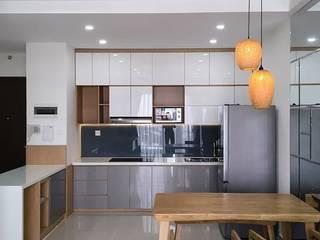 Nội thất chung cư Acilb design KitchenCabinets & shelves Gỗ-nhựa composite Wood effect