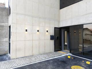 Modern Walls and Floors by 무인건축사사무소 Modern