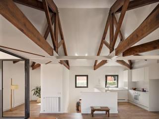 Casa MO ESTUDI NAO arquitectura Azoteas Madera Acabado en madera