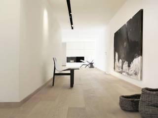 A R C H I T E C T U R E STUDIO H ARCHITECTURE & INTERIOR Moderner Flur, Diele & Treppenhaus