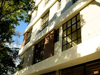 TORRE 51 Casas modernas de SAAV Arquitectos Moderno
