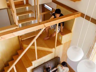 反町の家 の 稲荷明彦建築研究室 モダン