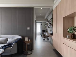 沈靜午後 现代客厅設計點子、靈感 & 圖片 根據 俬飾軟裝設計 現代風