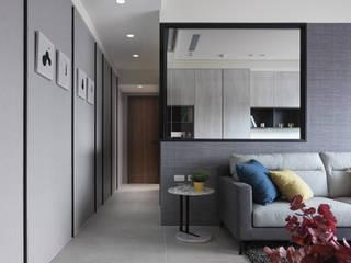 寂靜灰階 現代風玄關、走廊與階梯 根據 俬飾軟裝設計 現代風