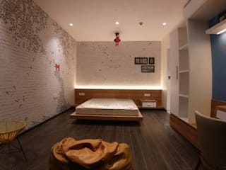 Interior work of 4.5 BHK apartment in kharadi, pune Modern style bedroom by Exemplary Services Modern