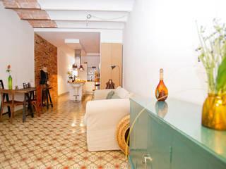 Reforma piso en Gracia ESTUDI NAO arquitectura Comedores de estilo moderno