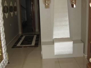 SERPİCİ's Mimarlık ve İç Mimarlık Architecture and INTERIOR DESIGN Corridor, hallway & stairsAccessories & decoration Aluminium/Seng Amber/Gold