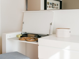Traço Magenta - Design de Interiores Habitaciones de estilo minimalista