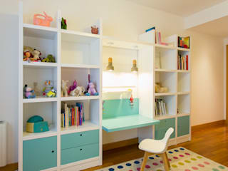 Quarto infantil moderno por Traço Magenta - Design de Interiores Moderno