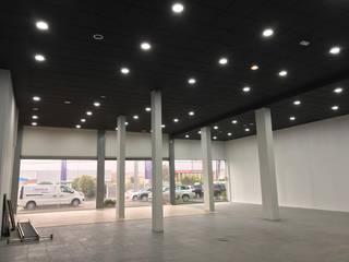 `Pintores Gonzalez Y Leon S.L. Dealer Mobil Modern White