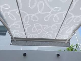 Persianas Jaramillo B CDMX バルコニー&ベランダ&テラスアクセサリー&デコレーション 合成繊維 灰色