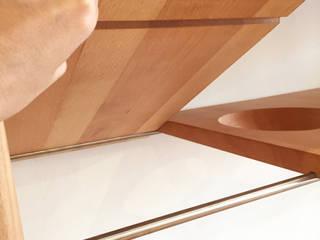 木耳生活藝術-實木家具設計/平平桌椅系列: 現代  by 木耳生活藝術, 現代風
