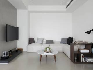 C&A Risidence 现代客厅設計點子、靈感 & 圖片 根據 上上室內裝修設計有限公司 現代風
