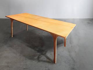 木耳生活藝術-實木桌設計/行旅餐桌: 現代  by 木耳生活藝術, 現代風