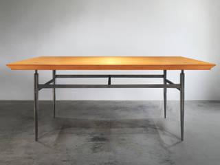 木耳生活藝術-實木桌設計/雪雁飛餐桌: 現代  by 木耳生活藝術, 現代風