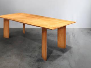 木耳生活藝術-實木桌設計/匯流餐桌: 現代  by 木耳生活藝術, 現代風