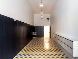 industrial style corridor, hallway & stairs by HOUSE PHOTO Industrial