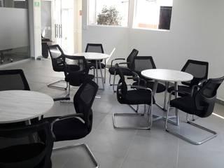 Diseño y Construcción de Oficinas en Ciudad de México de Ligiere Sa de Cv Moderno