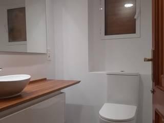 地中海スタイルの お風呂・バスルーム の VIA STUDIO 地中海