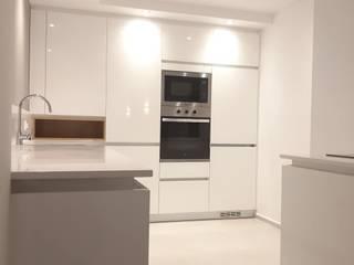 地中海デザインの キッチン の VIA STUDIO 地中海