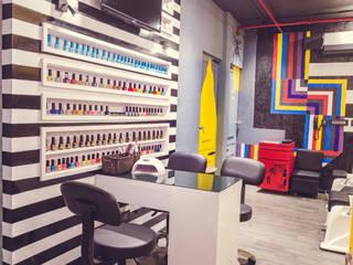 Hakim's Aalim Hair & Beauty Lounge by Nikunj Sharma Design Studio Industrial