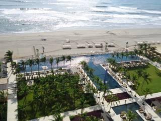 Piscina Residencial Lujo Tres Vidas, Acapulco, Gro TECNOLOGÍA AQUATICA Albercas infinity Concreto Azul