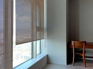 簾スクリーン-3 経木すだれ kyogisudare №12: 井上スダレ株式会社が手掛けた現代のです。,モダン