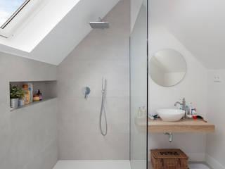 WINK GROUP Modern bathroom Grey