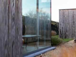 The color grey Moderne huizen van Studio Govaerts Modern
