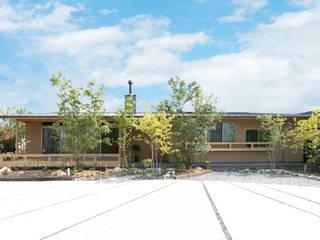 環アソシエイツ・高岸設計室 Casas unifamilares Madera Beige