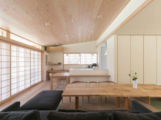 環アソシエイツ・高岸設計室 Ruang Keluarga Gaya Asia