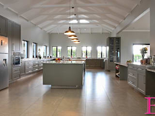 Country style kitchen by Ergo Designer Kitchens Country