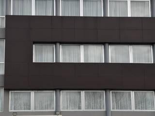 Aberturas Aluminio Edificios de oficinas de estilo moderno de Rebatec Moderno