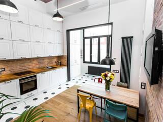 REFORMA INTEGRAL BARCELONA ROC BORONAT VB REFORMES INTEGRALS Industrial style kitchen