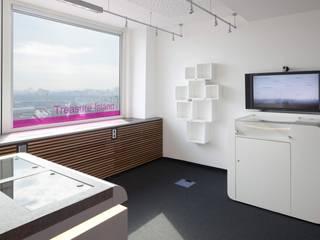 Edifícios comerciais modernos por _WERKSTATT FÜR UNBESCHAFFBARES - Innenarchitektur aus Berlin Moderno