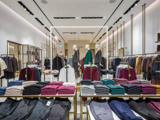 Negozio Abbigliamento Roma Negozi & Locali commerciali moderni di BB1 LABORATORIO DI ARCHITETTURA & DESIGN Moderno