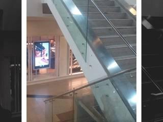 Pasa manos en vidrio y acero de VIDTEMP Moderno