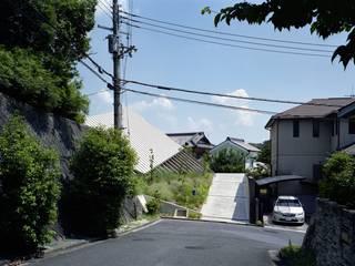 by 藤原・室 建築設計事務所 Modern
