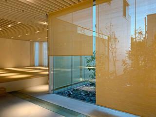 簾スクリーン-5 こもれ komore №11: 井上スダレ株式会社が手掛けた現代のです。,モダン